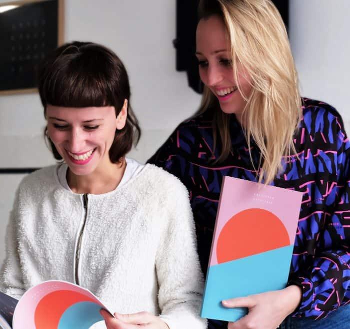 Die Designerinnen Sina Pardylla (links) und Marie Christall werden vom Rat für Formgebung ausgezeichnet. Foto: NEA