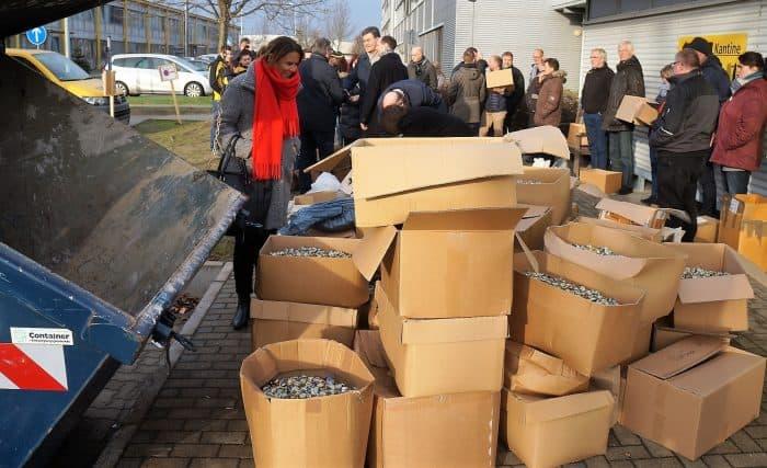 Die Post-Niederlassung Braunschweig steuerte eine Tonne Kronkorken bei. Foto: Die Braunschweigische Stiftung