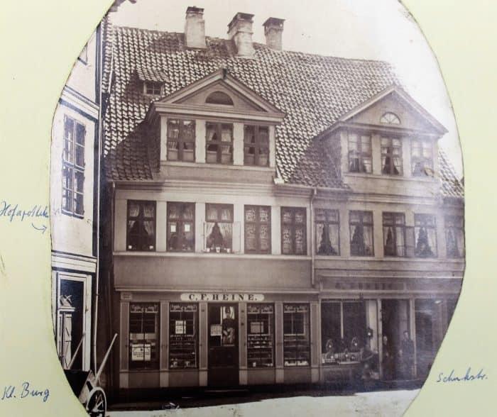 Das Doppelhaus Schuhstraße 5/6 im Jahr 1880. Foto: Der Löwe/Stadtarchiv