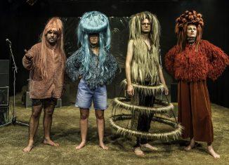 "Die digital Immigrants aus dem Stück ""Trollwut"" von pulk fiktion. Foto: LOT"