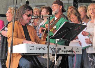Peter Stoppok wird das Marktsingen musikalisch begleiten und leiten. Foto: privat