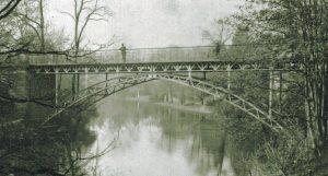 So sah die Ottmerbrücke bis 1959 aus. Foto: Stadtarchiv