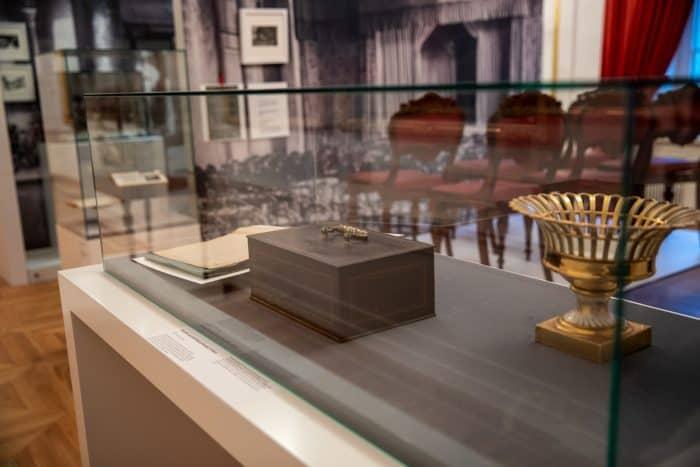 Die Geldkassette aus dem Schloss stellte Wolfgang Sondermann zur Verfügung. Foto: Schlossmuseum/D. Polack-Chwalczyk