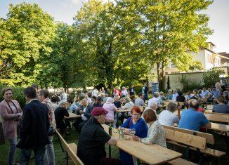 Der Garten des Hauses der Braunschweigischen Stiftungen war gut besucht. Foto: HdBS / Marek Kruszewski