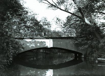 Steintorbrücke, Südansicht, um 1900. Foto: Stadtarchiv Braunschweig, H XVI A III 1)