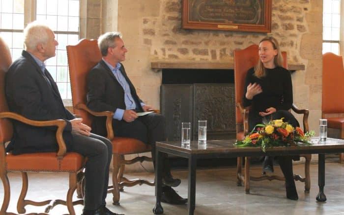 Das Podium in der Dornse: Franz Koessler, Frank Überall und Stefanie Panzenböck. Foto: Ralph-Herbert Meyer
