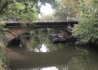 Die Auskragungen aus Beton haben den Charakter der Leonhardbrücke stark verändert. Foto: meyermedia
