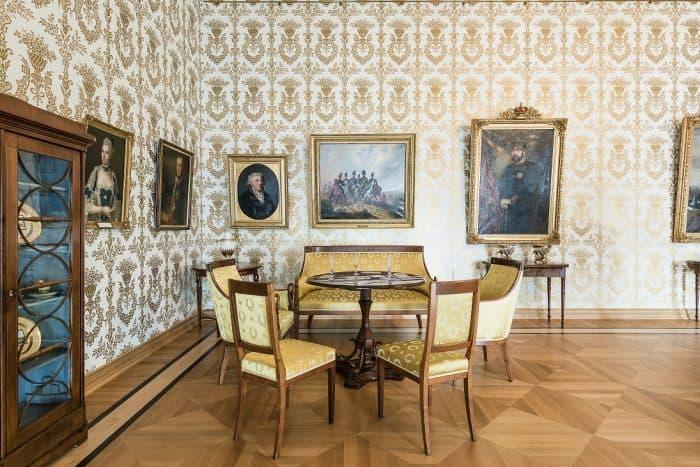 Mit dem Spiel- und Musikzimmer widmet das Schlossmuseum dem schönen Müßiggang am Hof ein ganzes Zimmer. Foto: Schlossmuseum / M. Küstner