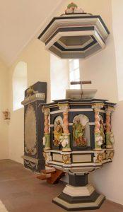 Den Kanzelkorb zieren die vier Evangelisten. Foto: Bernward Comes / Salzgitter Zeitung