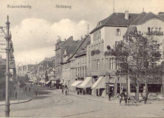 Steinweg um 1900, rechts Café Lück. Repro: IBR