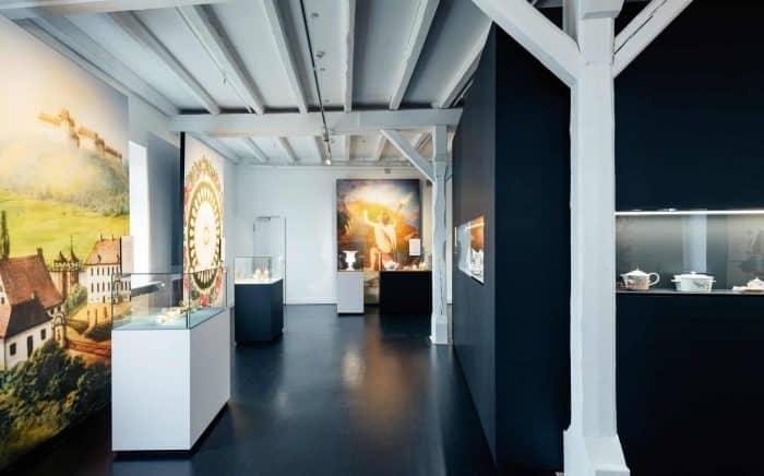 Blick in die Ausstellung. Foto: Museum Schloss Fürstenberg