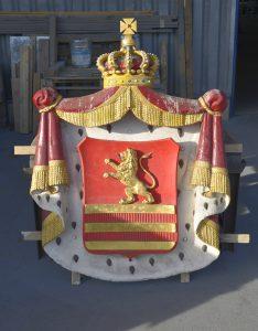 Das beschädigte Wappen der Grafschaft Lauterberg. Foto: Ekkehard Tischendorf