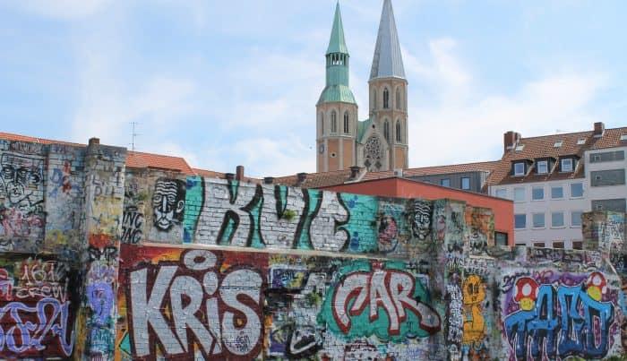 An den Innenmauern der ehemaligen Markthalle ist das Sprayen erlaubt. Foto: Der Löwe