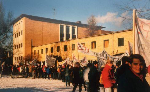 Ausgangspunkt war am 30. Januar 1987 der Schulhof der Ina-Seidel-Schule. Foto: Archiv Manfred Urnau