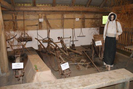 Die Spargel-Abteilung mit ihren Geräten. Foto: Der Löwe