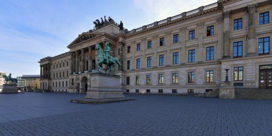 Mal unbeachtet: das Residenzschloss. Foto: Andreas Greiner-Napp
