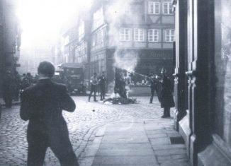 Bücherverbrennung auf dem Ackerhof am 9. März 1933. Repro: IBR