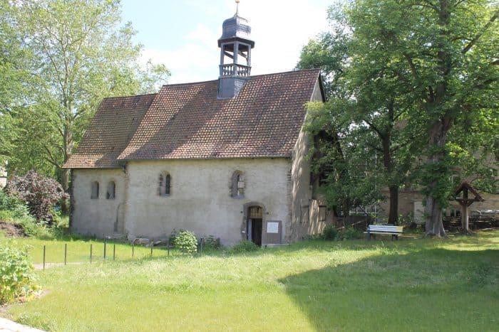 Blick auf die Kapelle St. Leonhard. Foto: Der Löwe