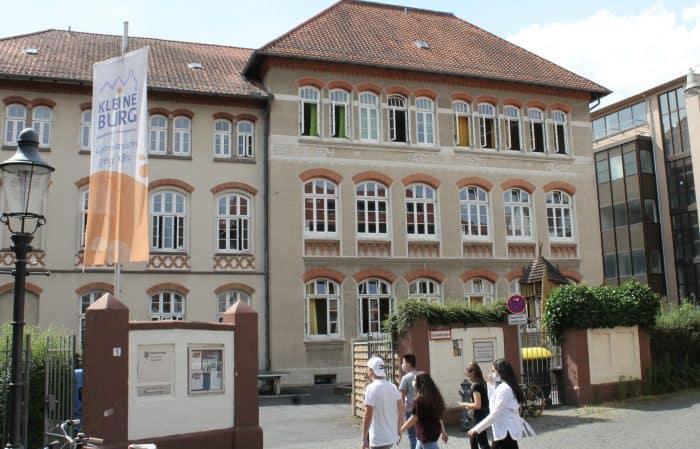 """Seit 1867 ist die """"Kleine Burg"""" an ihrem angestammten Standort zuhause. Foto: Der Löwe"""