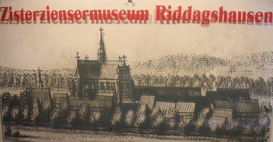 Schild im Foyer des Museums. Foto: Der Löwe