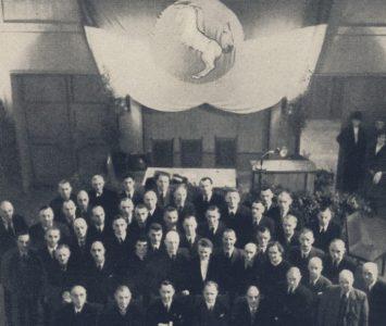 Der Mitglieder des letzten Braunschweigischen Landtags im Sitzungssaal der damaligen Kant-Hochschule (heute Haus der Wissenschaft) . Foto: Universitätsbibliothek Braunschweig.