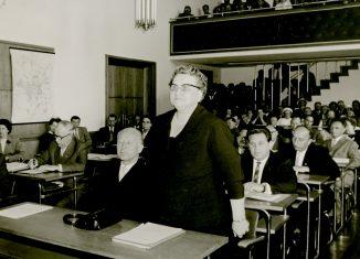 Martha Fuchs während ihrer Ernennung zur Oberbürgermeisterin im Braunschweiger Ratssaal. Foto: Stadtarchiv