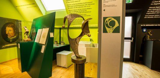 Blick in die Dauerausstellung. Foto: Eulenspiegel-Museum