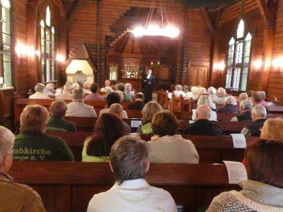 Innenansicht während einer Andacht durch Pfarrer Höpting Kirchengemeinde Hasselfelde/ Landeskirche Braunschweig. Foto