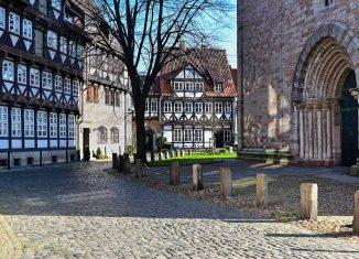 Hinter der Magnikirche. Foto: Der Löwe/Andreas Greiner-Napp
