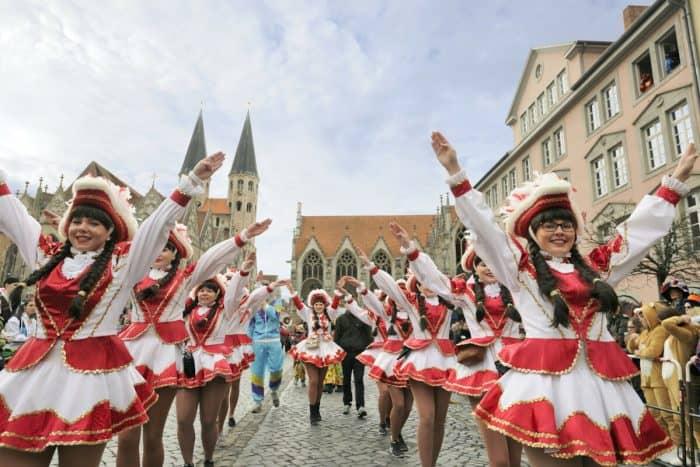 Der Altstadtmarkt ist eine wunderbare Kulisse für den Schoduvel. Foto: Stadtmarketing/Daniel Möller