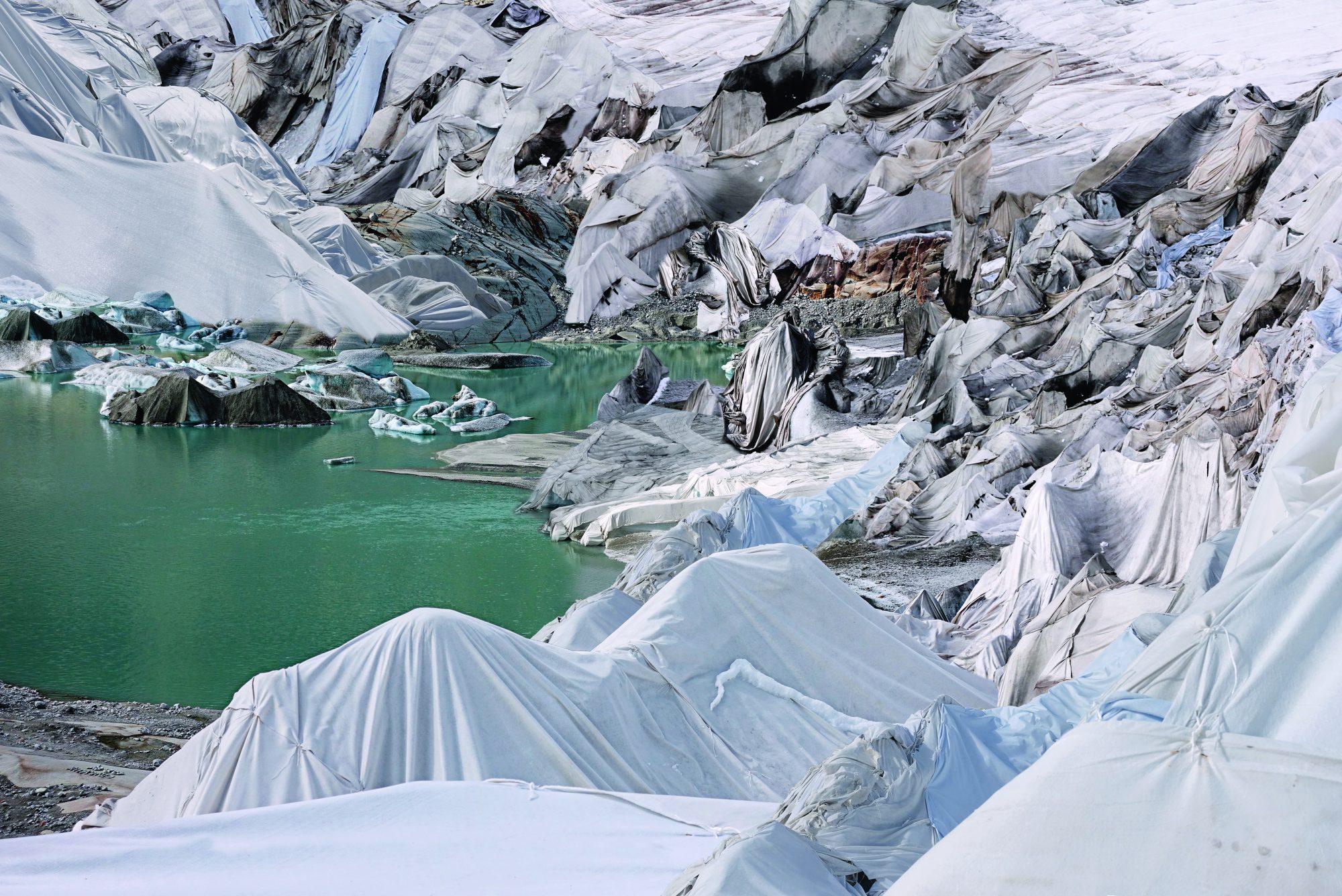 """Foto aus dem Werkzyklus """"Was bleibt ist nur die Illusion eines Gletschers"""" von Franziska Rutz."""