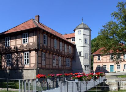 Das Hoffmann- von-Fallersleben-Museum befindet sich im Schloss Fallersleben. Foto: Hoffmann-von-Fallersleben-Museum im M2K, Stadt Wolfsburg