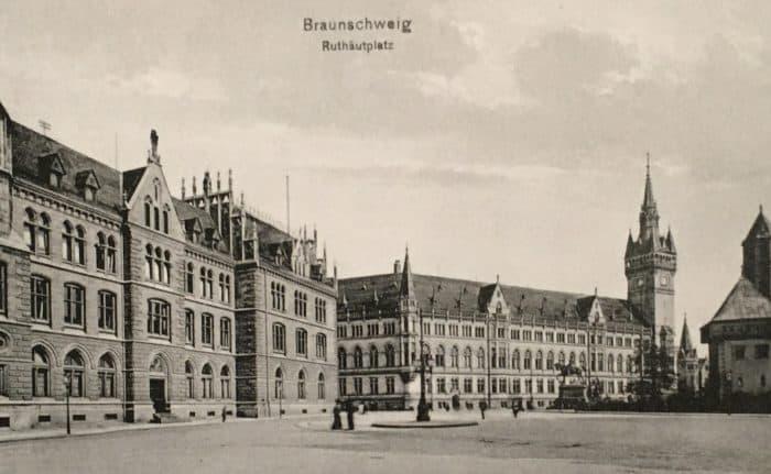 Ruhfäutchenplatz, Postkarte um 1910. Foto: E. Arnhold