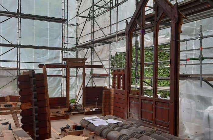 Wiederaufbau der restaurierten Kapelle in Stiege. Foto: Stabkirche Stiege e.V.