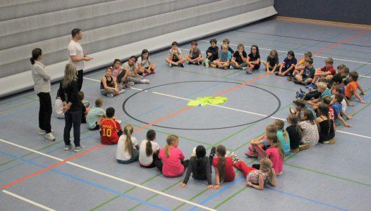 Handballtag mit Udo Falkenroth (links). Foto: MTV Handball